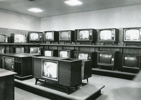 沢山のブラウン管テレビ